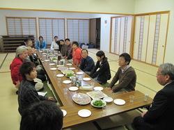 会場は佐氏泉会館でした。まぁ普通の公民館です^^;